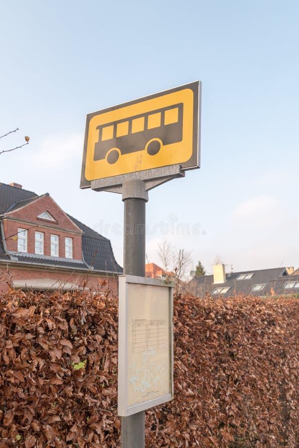 Arrêt d'autobus dans la ville de Sonderborg image libre de droits