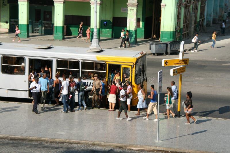 Arrêt de bus Cuba photos libres de droits