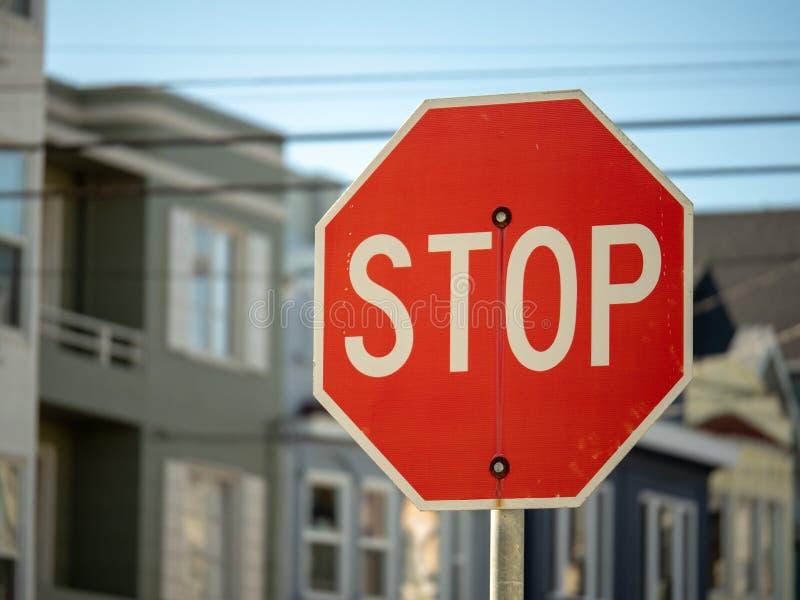 Arrêtez le connexion un voisinage résidentiel avec l'espace de copie au l photo libre de droits