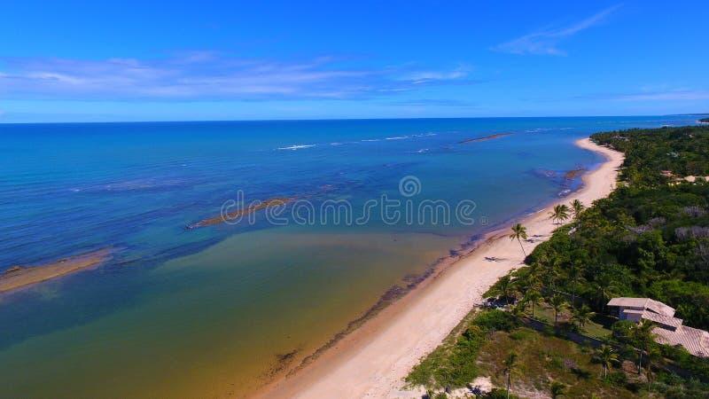 Arraial D 'Ajuda, Bahia, Brazilië: Weergeven van mooi strand royalty-vrije stock afbeelding