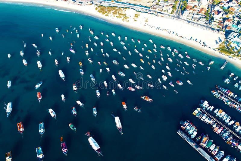 Arraial do Cabo, Brazilië: Satellietbeeld van een Braziliaans strand van de Caraïben stock foto