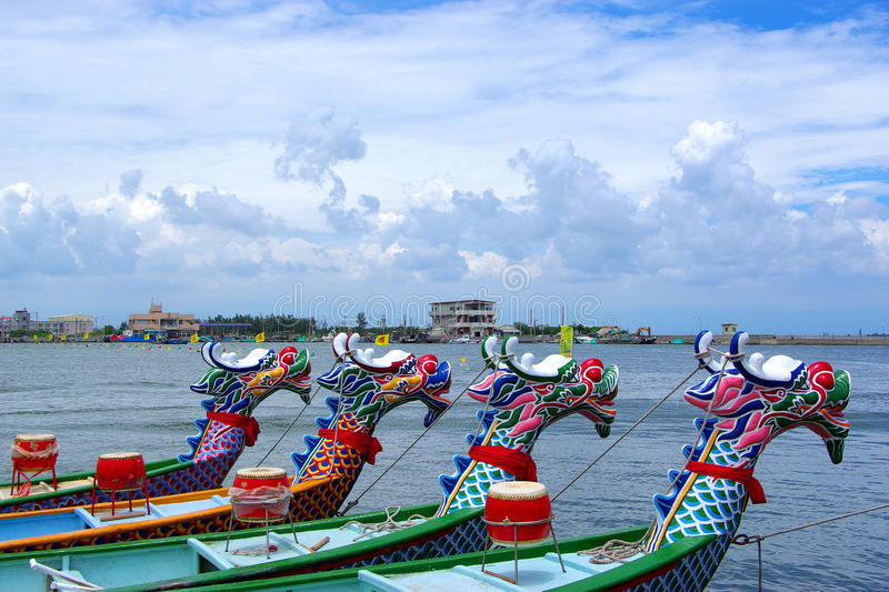 Download Arranged Dragon Boats Stock Photography - Image: 20786912