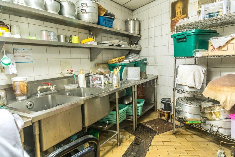 Arrangement de cuisine d 39 irr gularit cuisine sale photo for Arrangement de cuisine