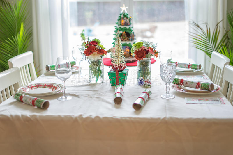 Arrangement de table de Noël pour les vacances photo stock