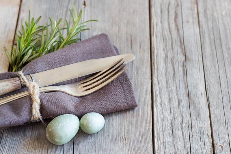 Arrangement de table de Pâques photographie stock libre de droits