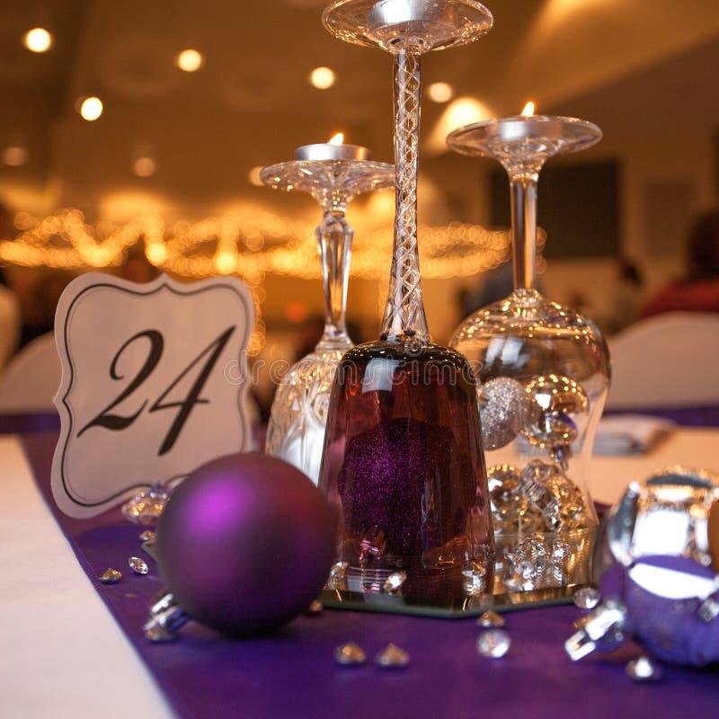 Arrangement de table de réception de mariage photos stock