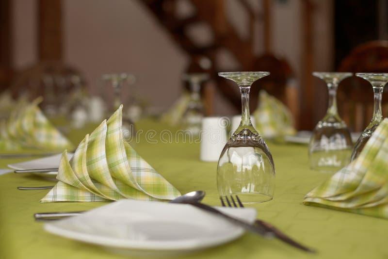 Arrangement traditionnel de table photographie stock