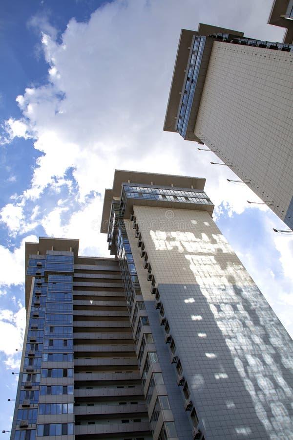 Arranha-céus altos disparados com perspectiva imagem de stock royalty free