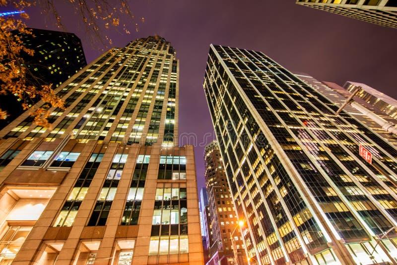 Arranha-céus altos durante imagens de stock royalty free