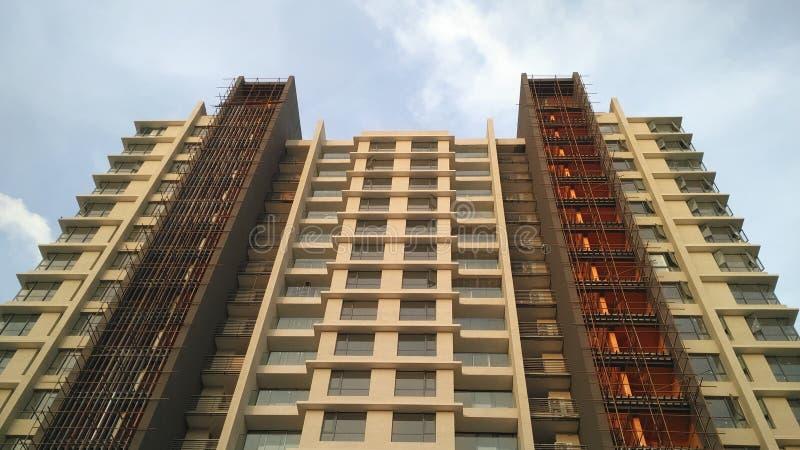 Arranha-céus da construção na arquitetura moderna alta de Chennai fotografia de stock