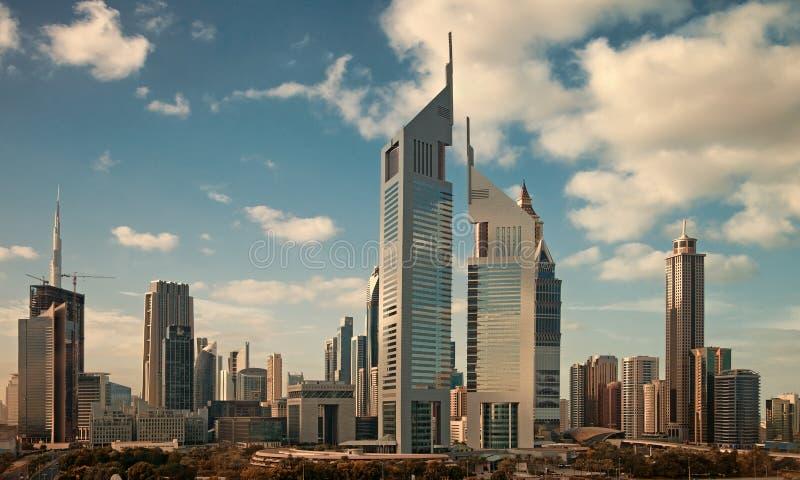 Arranha-céus da skyline de Dubai fotografia de stock