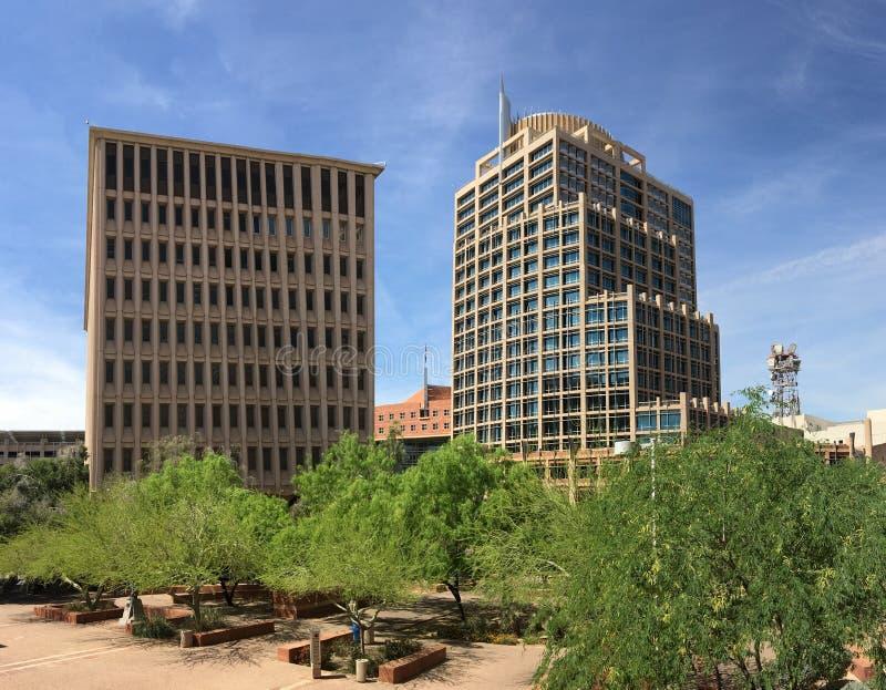 Arranha-céus de Phoenix em um primeiro dia da mola fotografia de stock royalty free