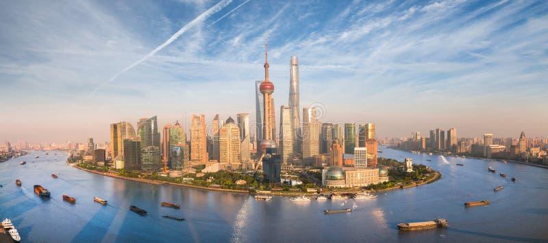 Arranha-céus de Shanghai Lujiazui CBD fotos de stock