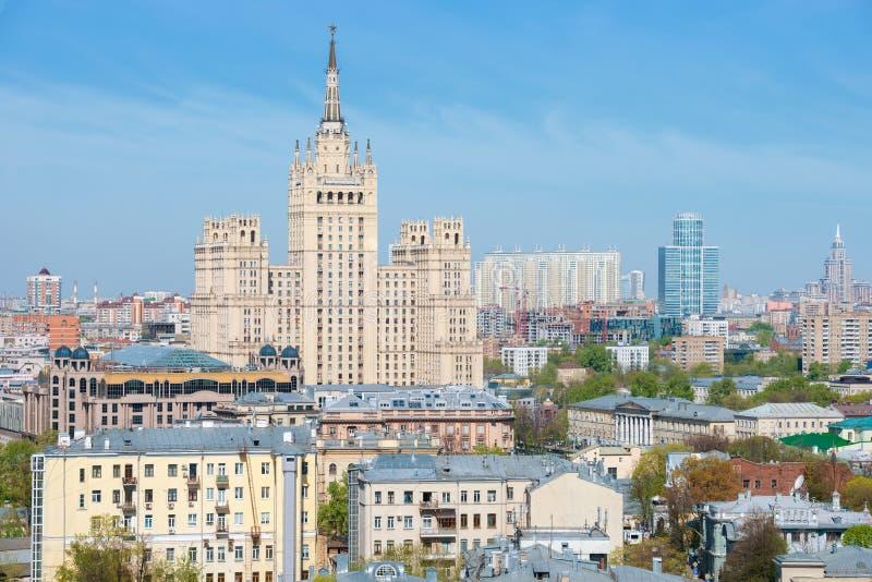 Arranha-céus de Stalin no quadrado de Kudrinskaya imagem de stock royalty free