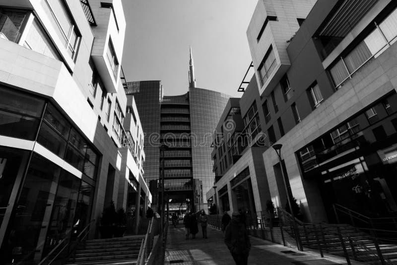Arranha-céus de Unicredit em Milão fotos de stock