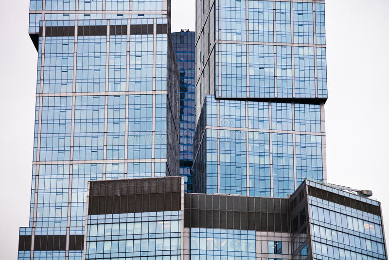 Arranha-céus de vidro moderno fotos de stock royalty free