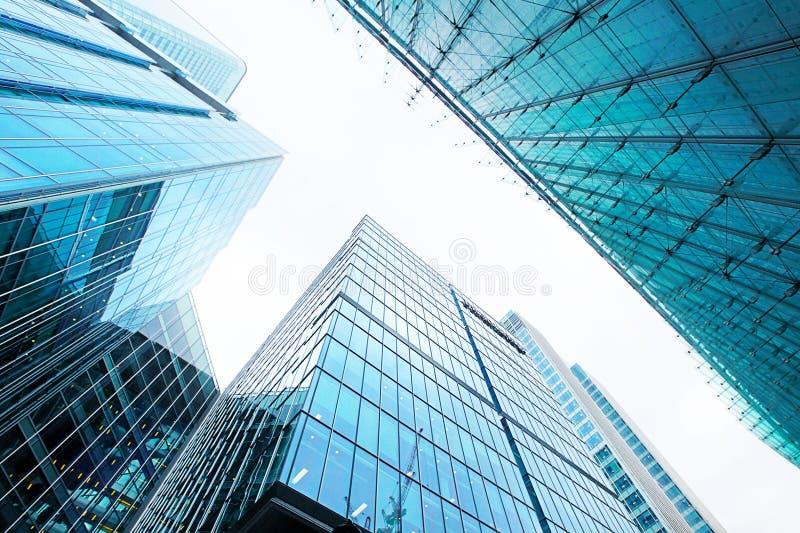 Arranha-céus de vidro modernos foto de stock