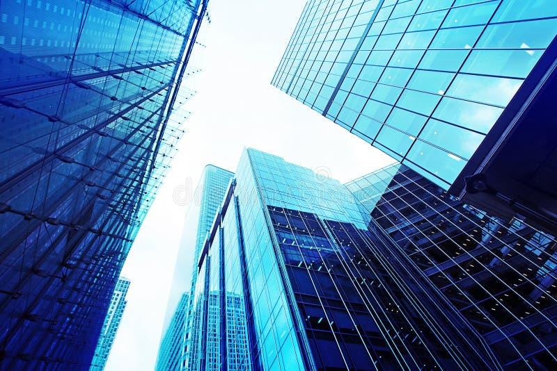 Arranha-céus de vidro modernos imagens de stock