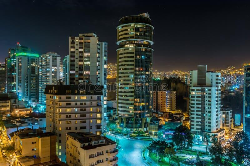 Arranha-céus em a noite fotografia de stock royalty free