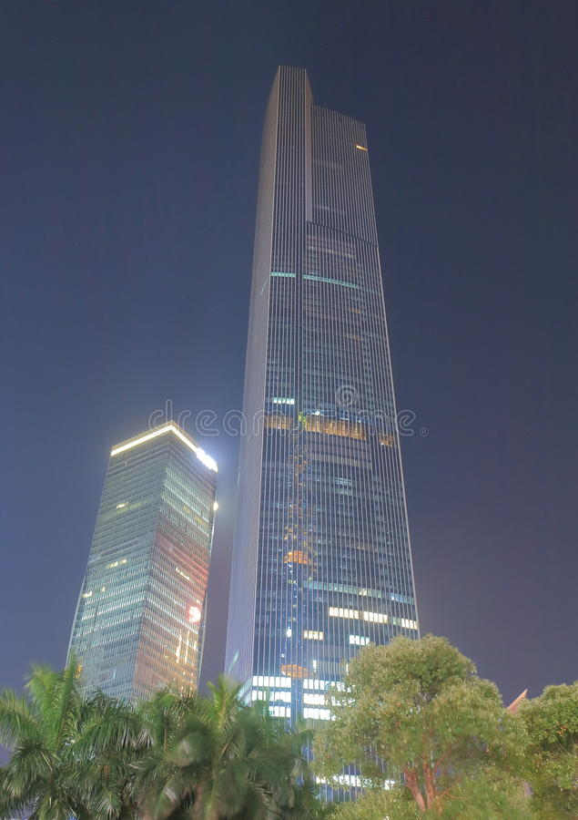Arranha-céus Guangzhou do centro China do centro da finança de CTF fotos de stock
