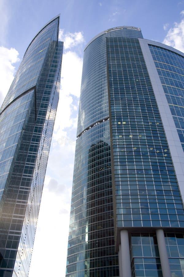 Arranha-céus modernos no centro de negócios da cidade de Moscovo imagem de stock