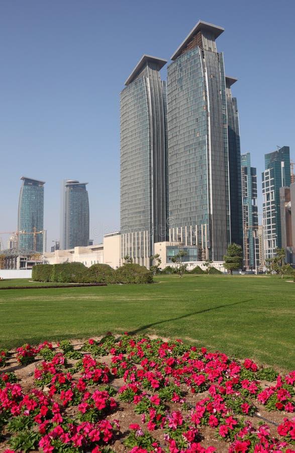 Download Arranha-céus No Louro Ocidental De Doha Foto de Stock - Imagem de arquitetura, east: 26501342