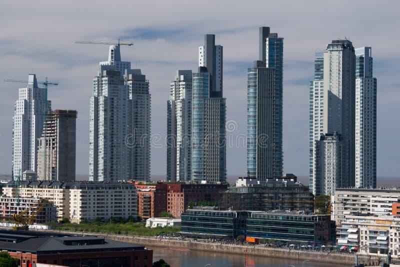 Arranha-céus, Puerto Madero, Buenos Aires foto de stock