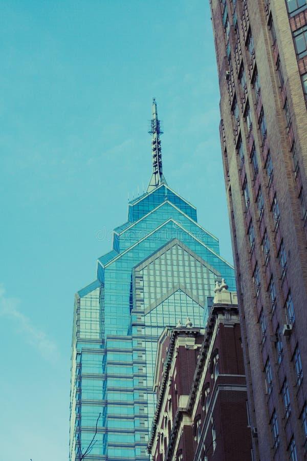 Arranha-céus a velho de Philadelphfia imagens de stock royalty free