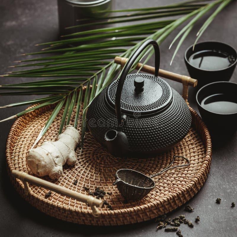 Arranjo asiático tradicional da cerimônia de chá, vista superior imagem de stock