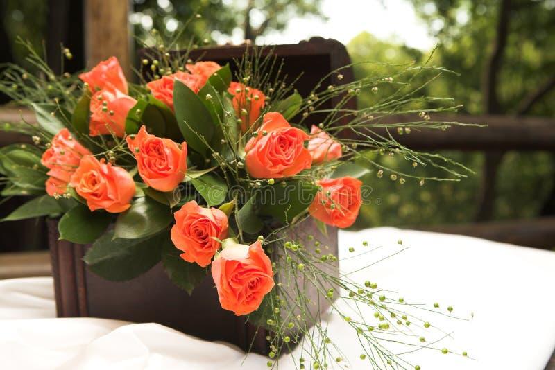 Arranjo de flor de Rosa foto de stock