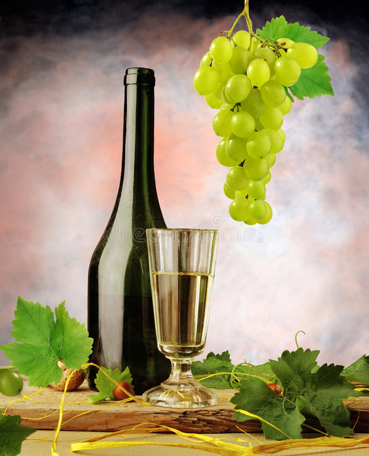 Arranjo do vinho branco imagem de stock