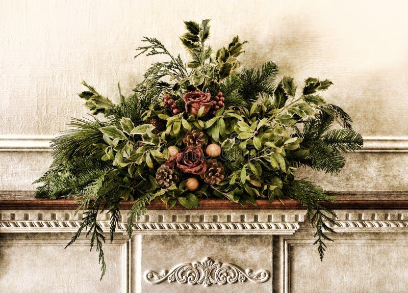 Arranjo floral velho do Natal do Victorian de Grunge foto de stock