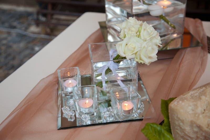 Arranjos florais para o casamento imagens de stock royalty free