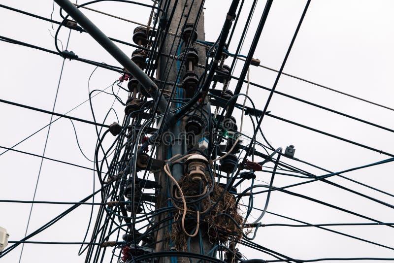 Arreglo complicado del alambre eléctrico foto de archivo
