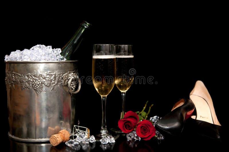 Arreglo romántico de las bebidas imagenes de archivo