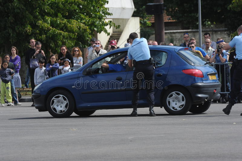 Arrestato dai gendarmi immagini stock libere da diritti