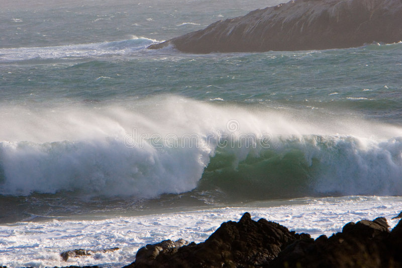 Arresto delle onde e vento Blowin fotografia stock libera da diritti
