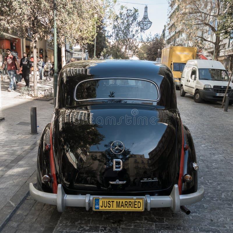 Arrière de voiture antique noire du Mercees-benz 170 S photos libres de droits