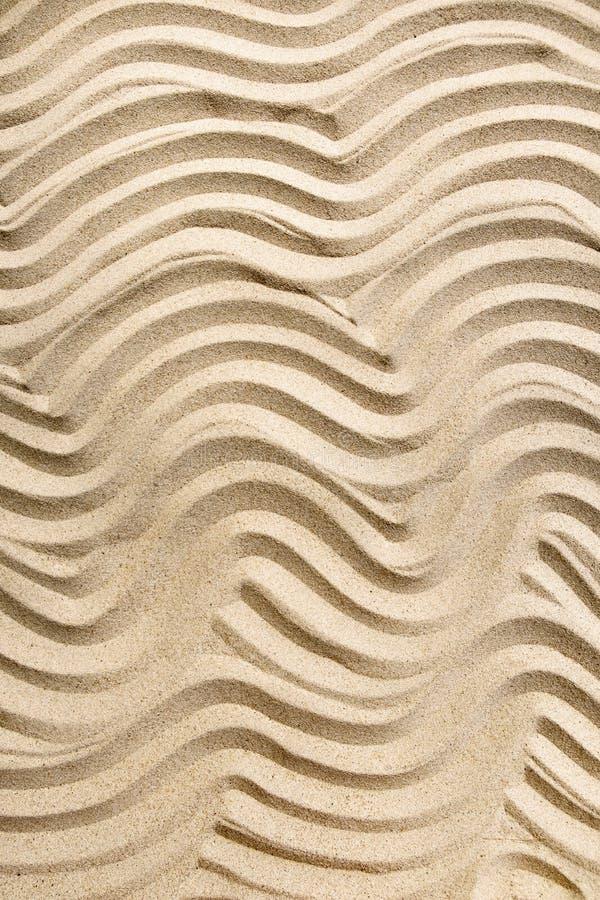 Arrière-plan étroit de sable marin propre, vue du haut, composition verticale image libre de droits