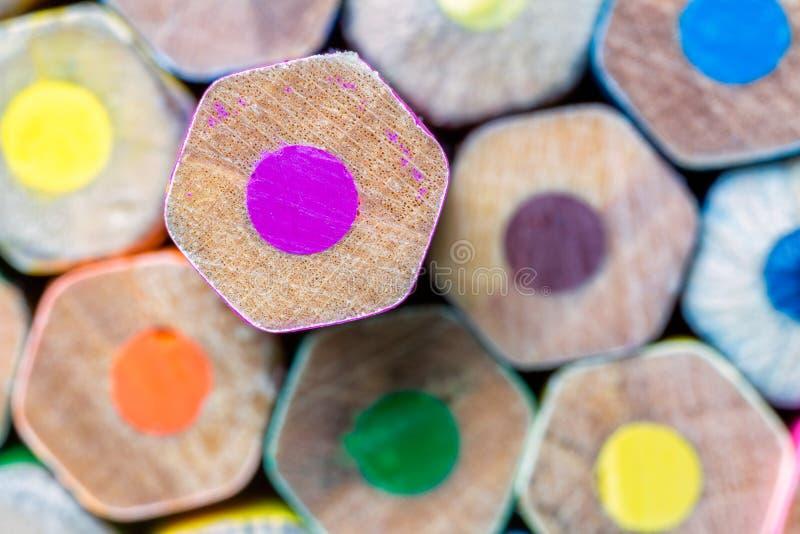 Arrière saison des crayons colorés images libres de droits