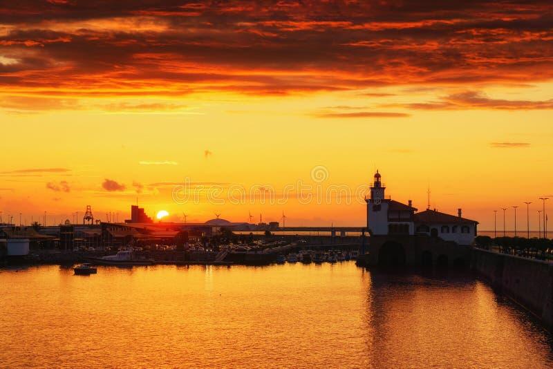 Arriluze in Getxo bei Sonnenuntergang lizenzfreies stockbild