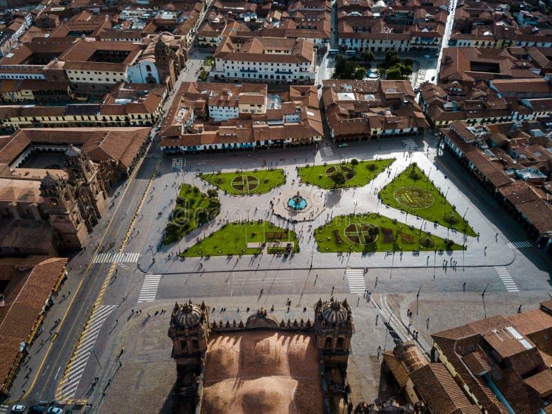 arrivée de plaza de armas dans le cuzco Pérou images stock