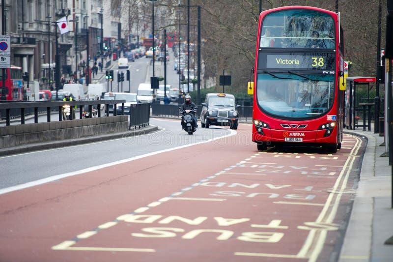 Arriva公共汽车在伦敦,英国 库存照片