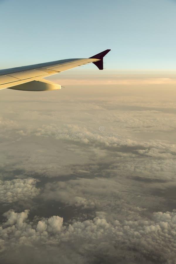 Arrojado sobre las nubes de lluvia foto de archivo libre de regalías