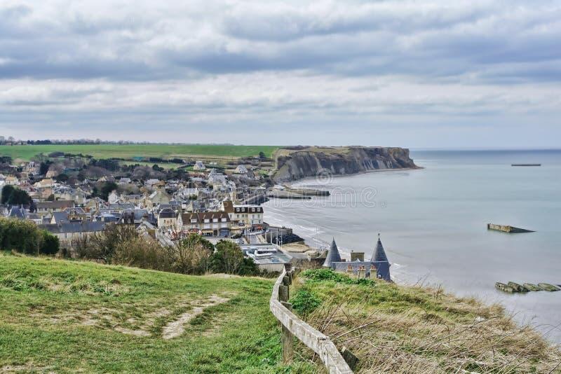 Arromanches-les-Bains en Normandie France images stock