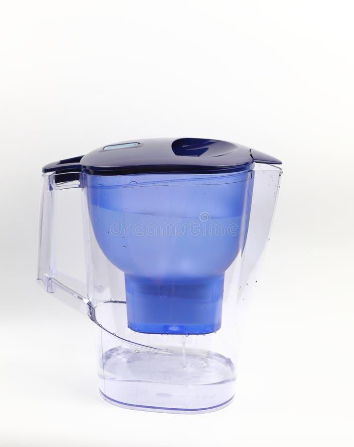 Arrosez le ¼ ŒPitcher d'ï d'eau propre d'épurateur avec le filtre d'eau pour la purification images libres de droits