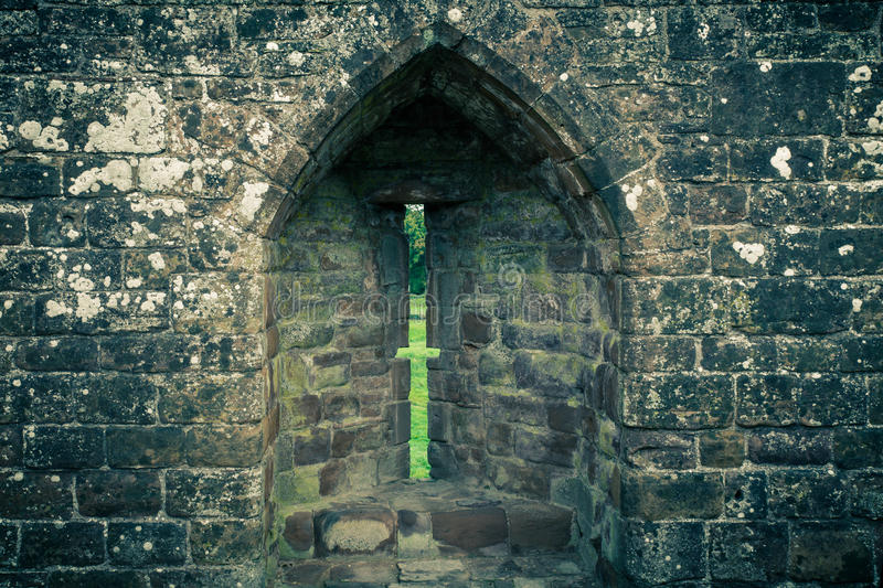 Arrowslit no castelo imagem de stock royalty free