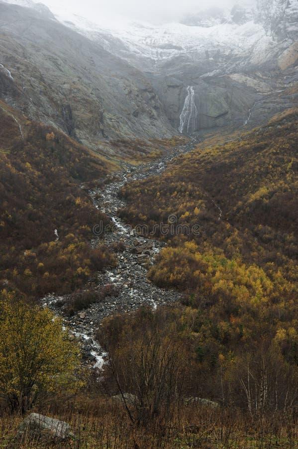 Arroyo de la montaña imagen de archivo libre de regalías