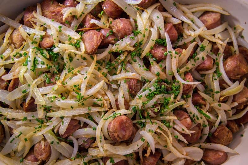 Arroz brasileño de la comida de la salchicha imagen de archivo