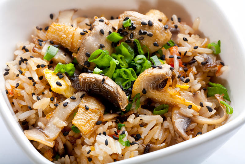 Arroz com cogumelos. imagens de stock royalty free